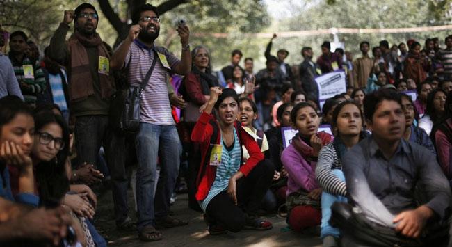 "Hindistanda ""tecavüz"" protestosu"