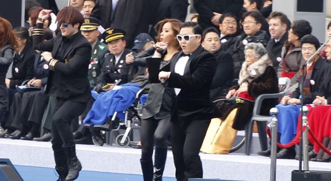 Gangnam danslı başkanlık yemini