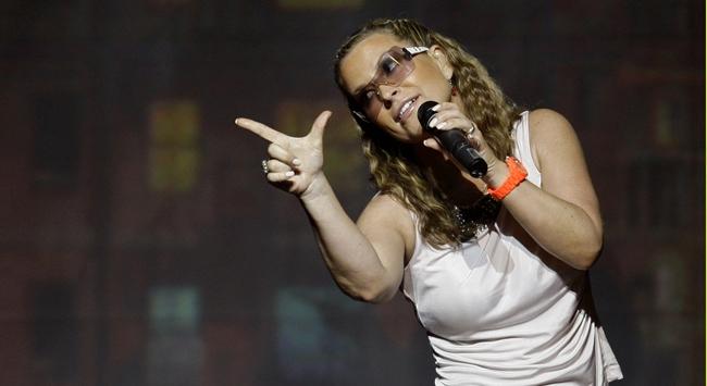 Ünlü şarkıcıya 2. kanser şoku