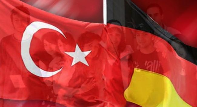 Almanya ve Türkiyeden teröre karşı işbirliği