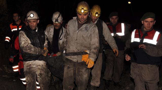 Göçükte kalan işçinin cesedi çıkarıldı