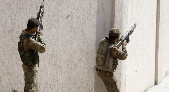 Afganistanda Taliban saldırısında 9 asker öldü