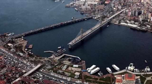 İstanbulun önemli caddesi 30 saat kapalı