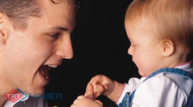 Çalışan Baba Çocuğuna Yeterince Vakit Ayıramıyor