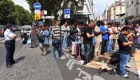 Paris'teki Müslümanların Çilesi Sona Erdi