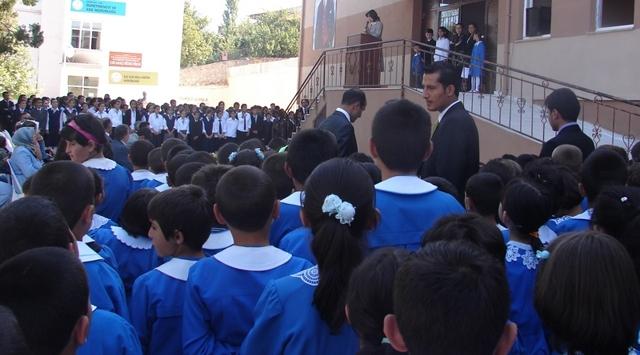 Vanda Okulların Açılışı Ertelendi
