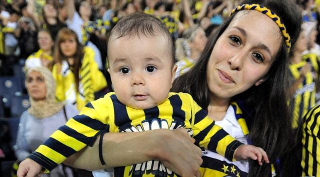 Fenerbahçe-Manisaspor Maçına, Bayan Seyirciler Damga Vurdu