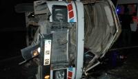 Minibüs Şarampole Yuvarlandı: 1 Ölü 8 Yaralı