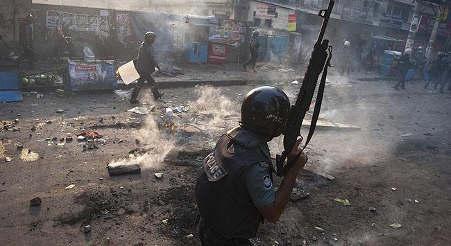 Bangladeşte kanlı çatışmalar