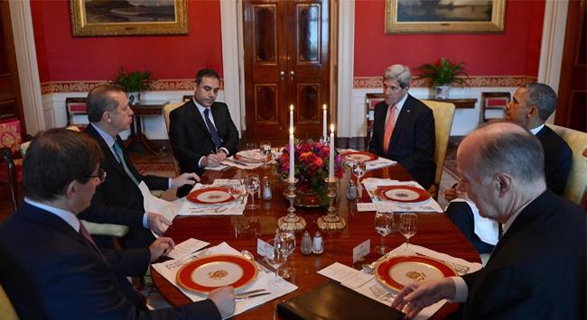 Beyaz Sarayda çekilen fotoğraftaki detay