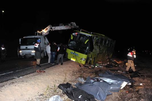Tokatta feci kaza: 6 ölü, 12 yaralı