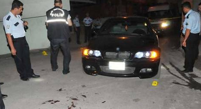 Sokak ortasında 14 kurşunla öldürüldü