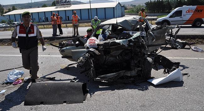 Balıkesirde feci kaza: 2 ölü