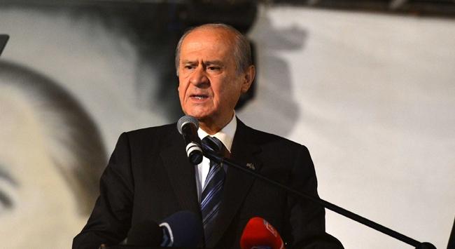 Bahçeliden Başbakana komplo eleştirisi