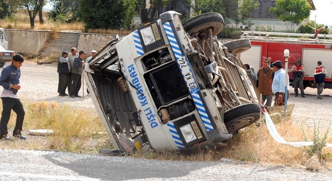Afyonda feci kaza: 4 ölü 20 yaralı