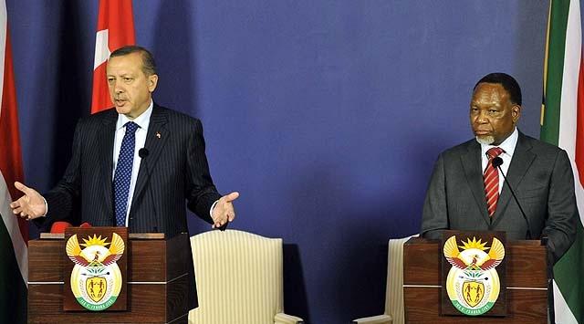 Erdoğan G.Afrikadan Esede Yüklendi