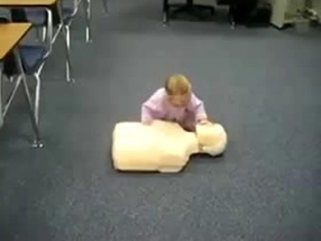 Bebekten İlkyardım Dersi!