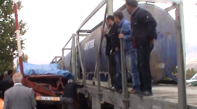 Erzincanda Tren Minibüse Çarptı