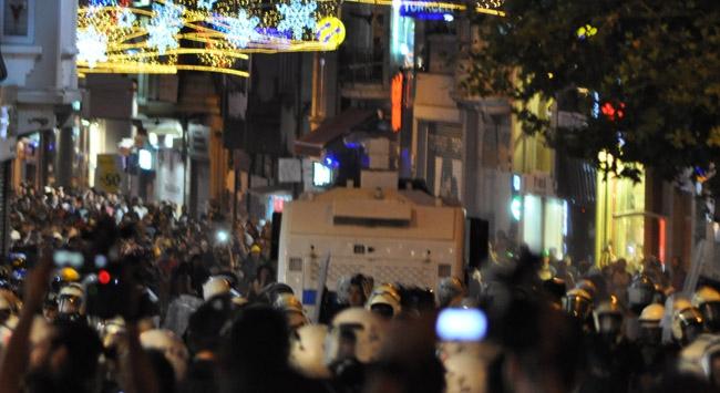 Taksimde eylemcilere polis müdahalesi