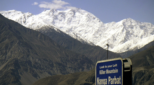 Pakistanda turistlere saldırı: 10 ölü