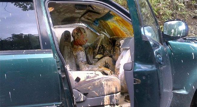 Boya taşıyan aracıyla kaza yapınca...