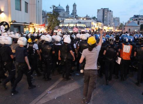 Polis Taksimi boşalttı