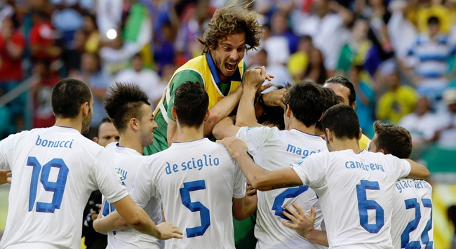İtalya penaltı atışlarında güldü