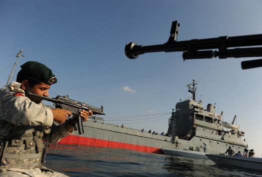 İran Hazar Denizinde tatbikat başlattı
