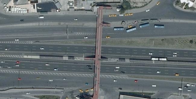 Cevizlibağ metrobüs durağı genişletiliyor