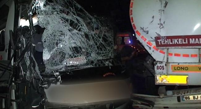 TEMde kaza: 21 yaralı