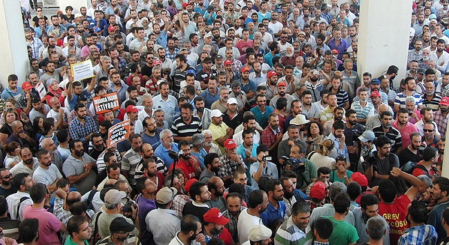 İzmir Büyükşehirde grev şoku
