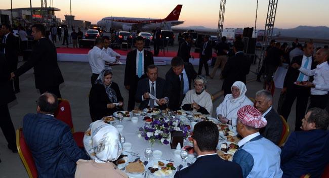 Başbakandan anlamlı iftar
