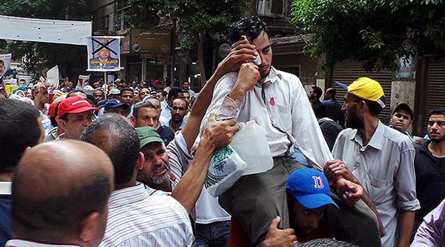 Mısırda göstericilere polis müdahalesi