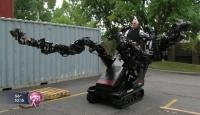 İşçilere Robotik Kollar
