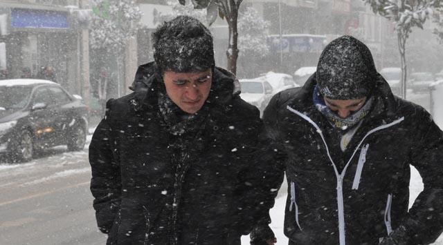 Kar Yağışı Başladı! Soğuk Hava Yurdu Ne ZamanTerk Edecek?