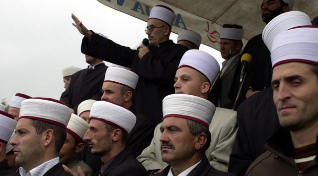 Müftü Krizini Türkiye Çözdü