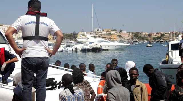 İtalya'da göçmen trajedisi: 9 kişi kayboldu
