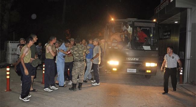 Komando alayında 200 asker zehirlendi
