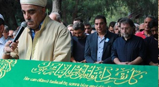 Ahmet Hakanın babası toprağa verildi