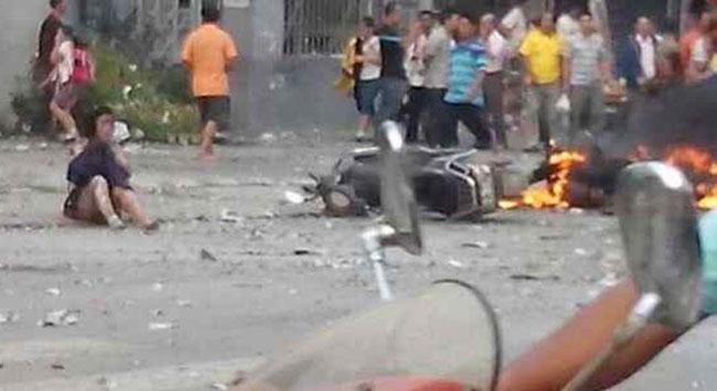 Okul önünde patlama: 2 ölü, 17 yaralı