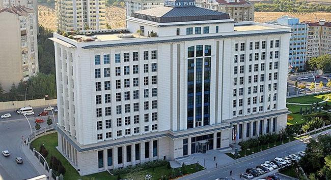 AK Parti, 30 ilin ilçe belediye başkan adaylarını açıkladı