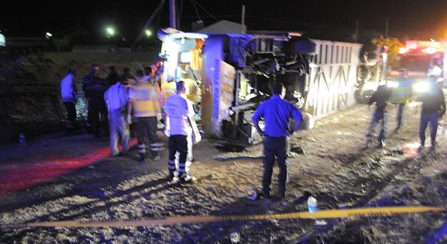 Kırıkkalede İran otobüsü devrildi: 2 ölü, 27 yaralı