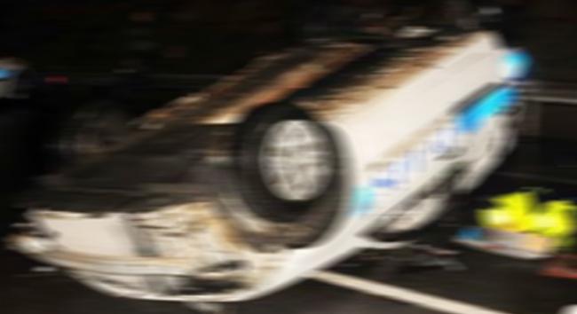 Bitliste polis aracı kaza yaptı.