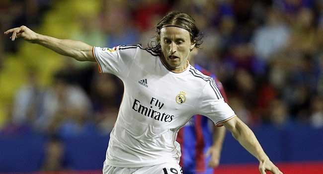 Yanal Real Madridin yıldızını istiyor!