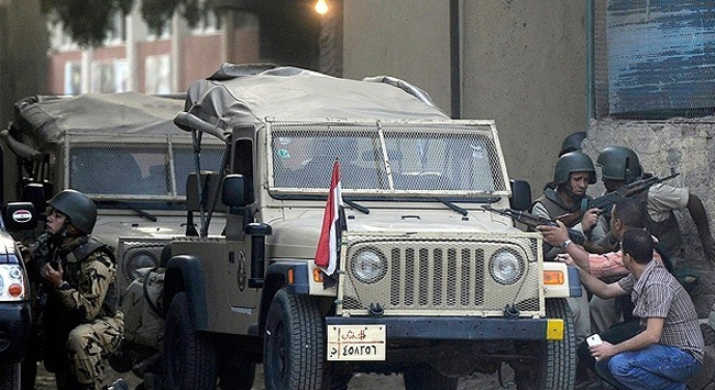 Mısır 3. Ordu Komutan Yardımcısına bombalı saldırı