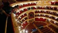 Bolşoy Tiyatrosu Perdelerini Açıyor
