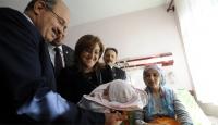 Azra Bebeği Annesinin Kucağında İlk TRT Görüntüledi