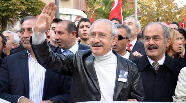 Kılıçdaroğlu Cumhuriyet Yürüyüşüne Katıldı
