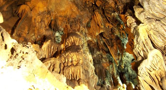 Bulak Mencilis Mağarası ziyaretçi akınına uğradı