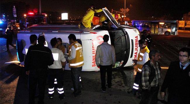 Otomobille çarpıştı: 7 yaralı